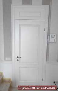Дверь входная межкомнатная деревянная белая в Одессе.