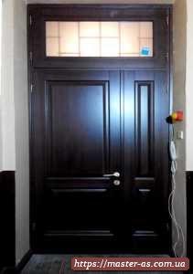 Дверь входная деревянная (ольха) с формугой