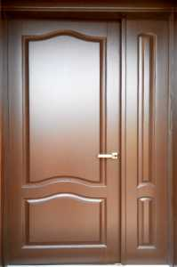 Деревянные входные нестандартные двери в квартиру  ДВ-26