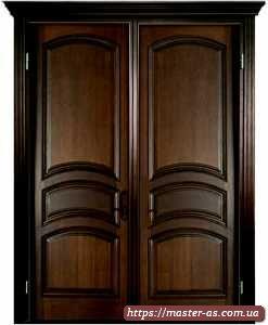 Двойная межкомнатная дверь из дерева