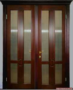 Дверь деревянная межкомнатная двойная со стеклом из массива ольхи