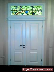 Двойная межкомнатная деревянная дверь
