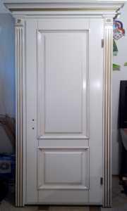 MD-116 Белая межкомнатная дверь из натурального дерева (ясень), с декоративным наличником