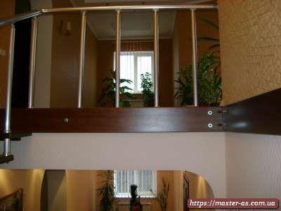 Продажа деревянных лестниц в Одессе
