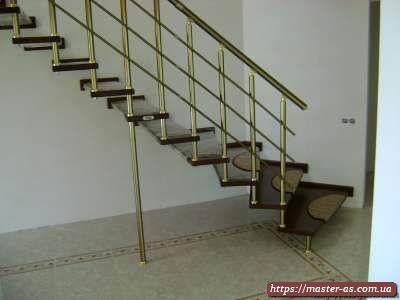 Сборка и монтаж деревянных лестниц в Одессе