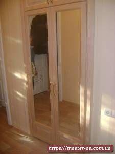 Встроенный деревянный шкаф для спальни