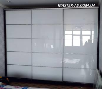 Шкаф-купе с зеркальными дверями МП-28