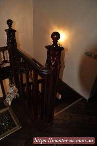 Лестница из дерева для частного дома