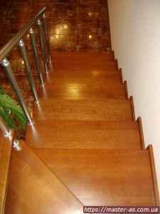 Деревянные лестницы в Одессе на заказ. Лб-01.