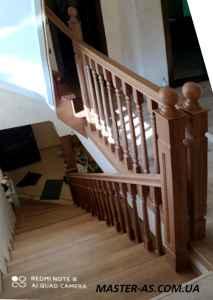 Купить деревянную лестницу из ясеня ДЛ-12