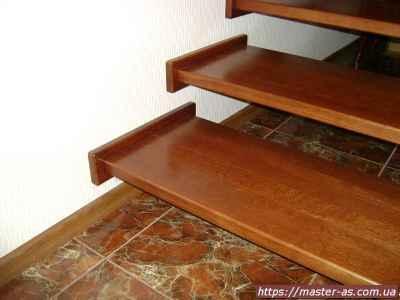 Услуги столяра в Одессе: производство лестниц из дерева