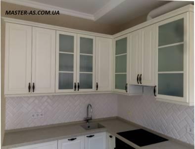 Кухня из дерева для кухни-студии