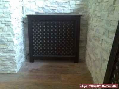 Решетка из дерева для оформления приборов отопления