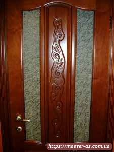 Межкомнатные двери с фигурной резьбой по дереву